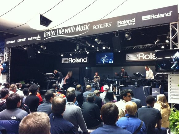 Stand Roland al Winter NAMM 2012