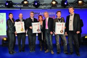 Giorgio Marinangeli e la direzione Ketron ritirano il secondo Tastenwelt-Awards  per il MidJay Plus (2009)