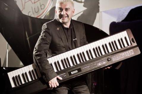 Max Tempia presenta i pianoforti digitali Casio