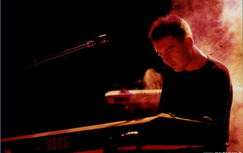 Un giovane Max Tempia ai tempi in cui collaborava con Korg